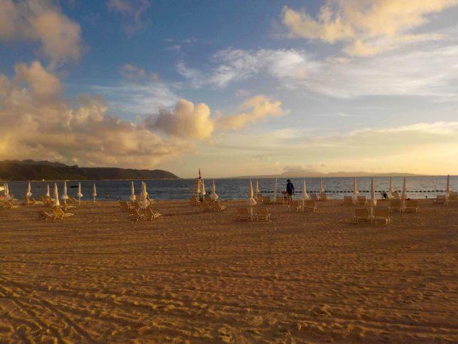 オクマビーチのサンセット